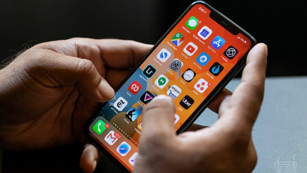Best way to organize Your iPhone Apps in 2021 - GoKicker